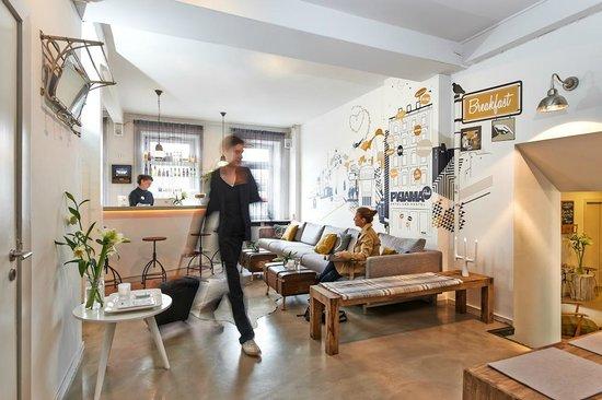 lobby picture of pyjama park hotel und hostel hamburg tripadvisor. Black Bedroom Furniture Sets. Home Design Ideas