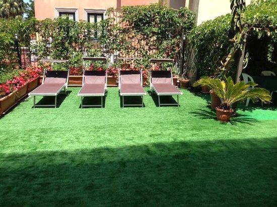 Sorrento Apartments: Fabulous outdoor area