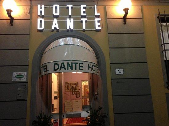 Hotel Il Poeta Dante : Entrance