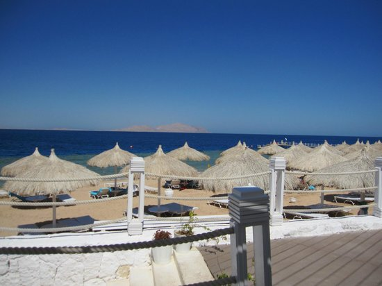 Sunrise Grand Select Arabian Beach Resort: ristorante spiaggia