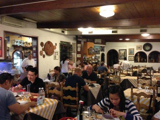 Ristorante Da Grazia: La sala affollata