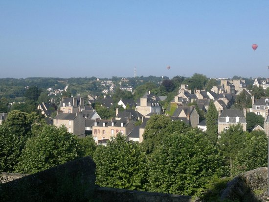 Hôtel le Challonge : View from the breakfast room
