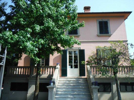 Villa Agnese B&B : Ingresso principale.
