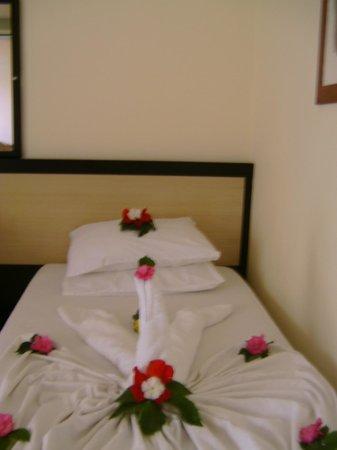 Palmiya Apartments: Maid Service