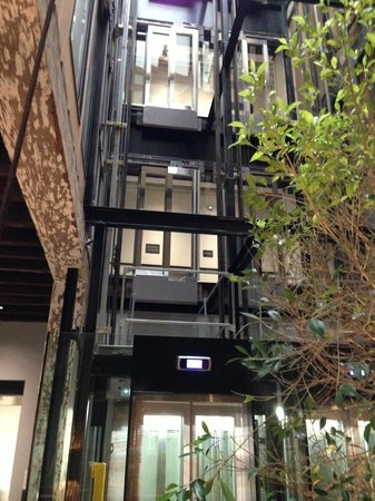 Ovolo 1888 Darling Harbour: internal courtyard