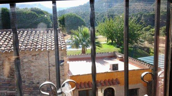 Hotel Restaurant Mas Palou: vue de la fenêtre de la chambre
