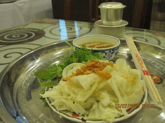 Ha Noi Apple Hotel: Local delicacy for breakfast