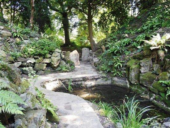 Dean and Manor Rd Cemetery Secret Garden