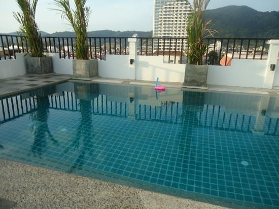 WE Hotel at Sansabai: swimming pool
