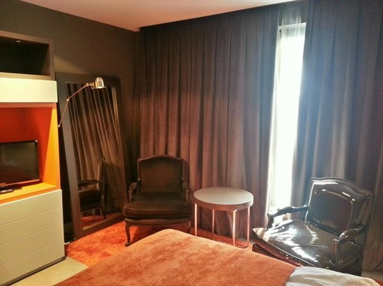 Hotel UNIC Prague: Another angle of the room