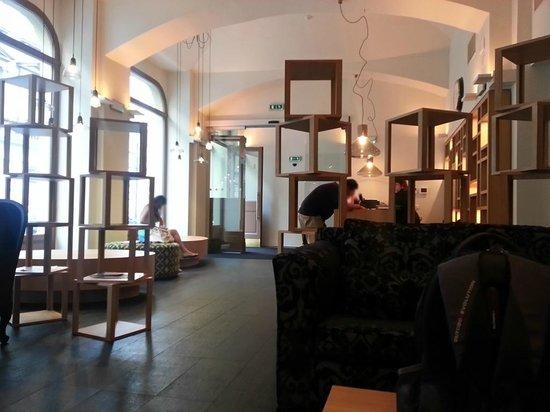Hotel UNIC Prague: Hotel lobby