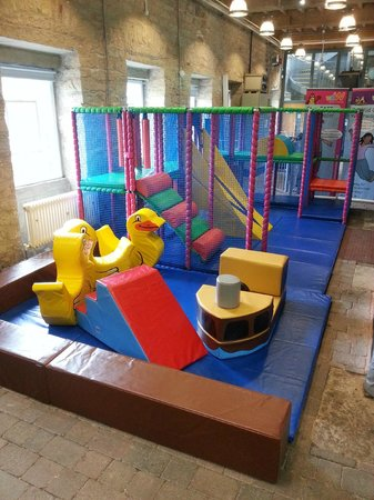 Standedge Tunnel & Visitor Centre: Free Soft Play Area