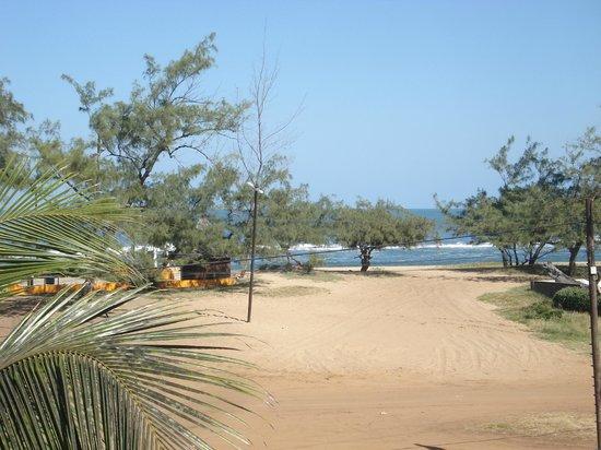 Complexo Turistico Halley: Praia em frente ao hotel