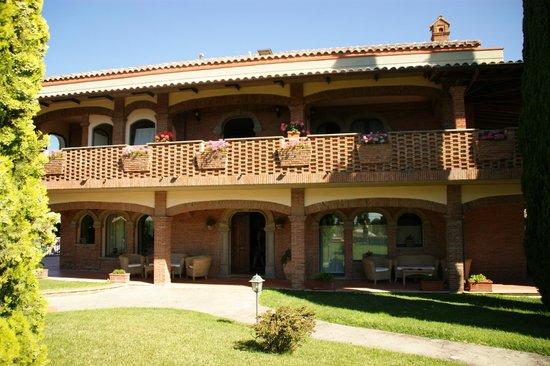 Villa Poggio Chiaro: Hoofdgebouw