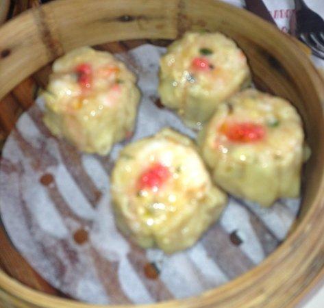 Taste of China: Restauranten har et stort utvalg av Dim Sum retter. Vår favoritt nr 17A, Krabbekjøtt og reker!k