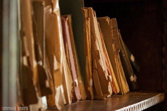 Castello dell'Oscano: Libreria antica nel castello