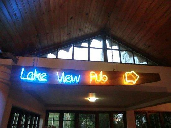 lake view pub
