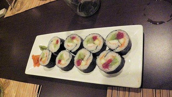 The Asian Kitchen by Tokyo Bay : 太巻き、