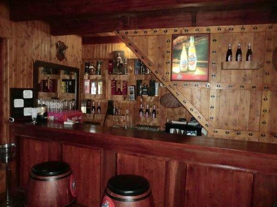 Lake View Pub: pub