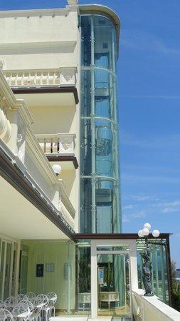 Hotel Conchiglia: piscina