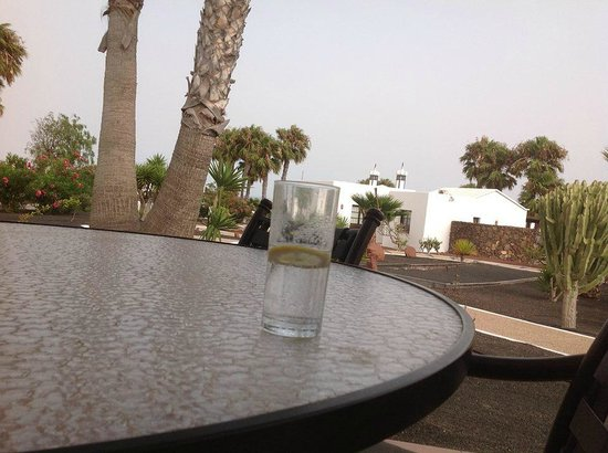 Jardines del Sol : Drinks on the patio!!