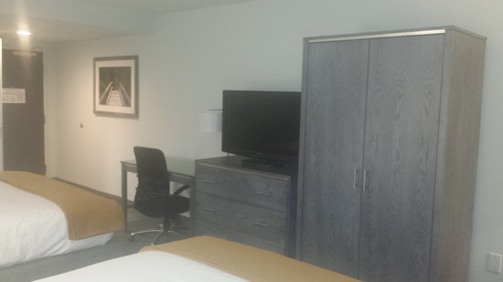 Holiday Inn Express Williamsburg North : Flat Screen TVs in all rooms with HD Channel Lineup