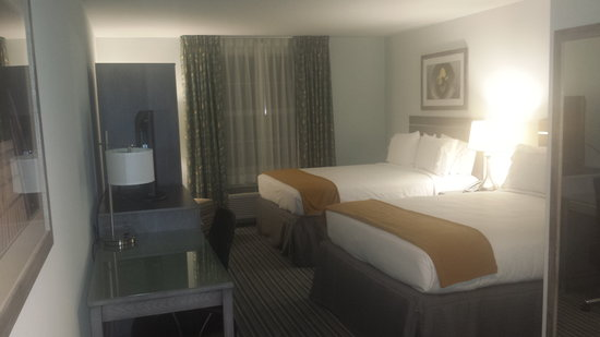 Holiday Inn Express Williamsburg North : Standard Room with 2 Queen Beds