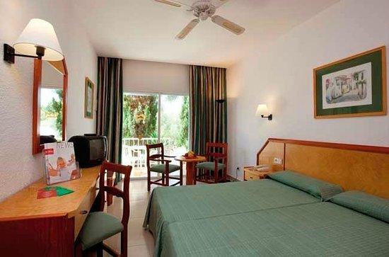 ClubHotel Riu Romantica: Room