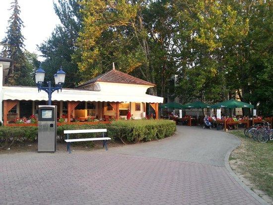 Balatonfoldvar, Hungary: Csigaház, Balatonföldvár