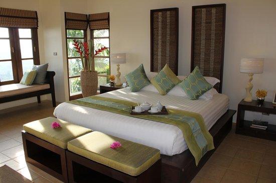 Baan Sawan Villa: master bedroom
