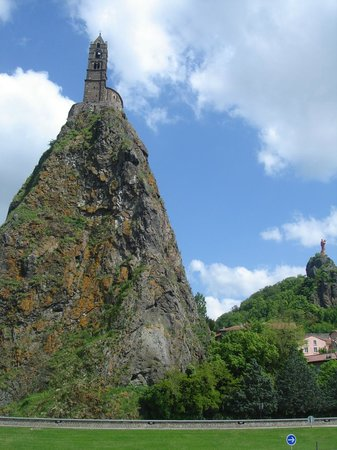 Chapelle Saint-Michel d'Aiguilhe : how did they ever think of building a church up there?