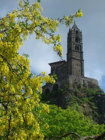 Chapelle Saint-Michel d'Aiguilhe : taken from the campground