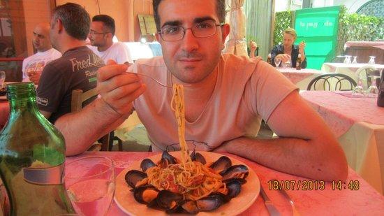 La Pagoda: io mentre mangio gli spaghetti (ottimi)