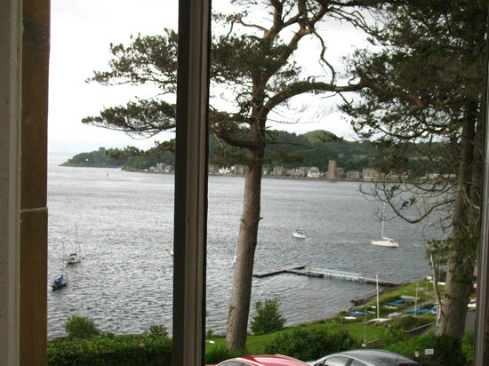 Dungallan Country House: View from room to Oban township