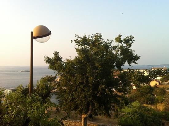 Hôtel Revellata: vue de la terrasse de la chambre