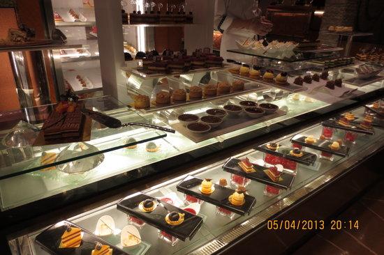 Shangri La Hong Kong Cake Shop