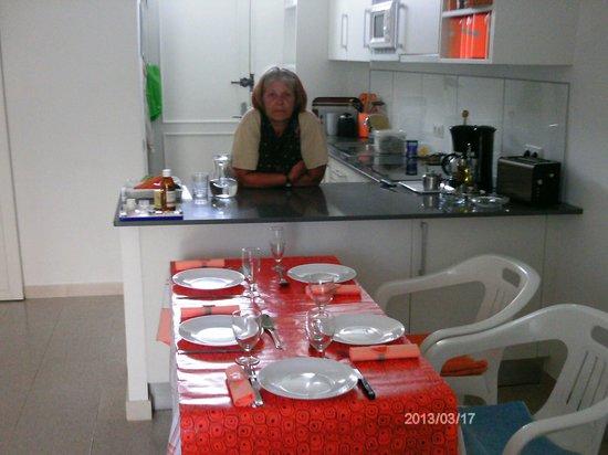 Walhalla Apartments: Gedeckter Tisch
