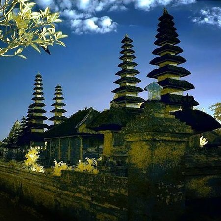 Gusti Bali Tours - Bali Tour Driver Guide