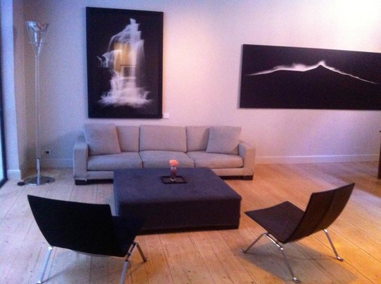 Hotel Julien: sitting area of the meeting room