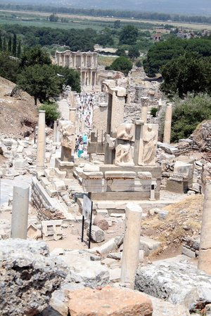 Tayf Tours: Looking down the path to the city Library through the ruins of Ephesus