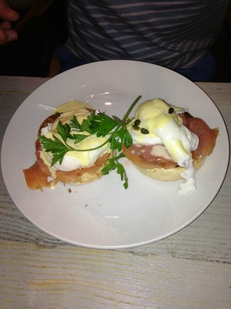 Bill's: Eggs Royale - yummy