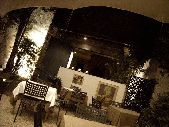 Ristorante Zingaro: il giardino estivo dello Zingarò