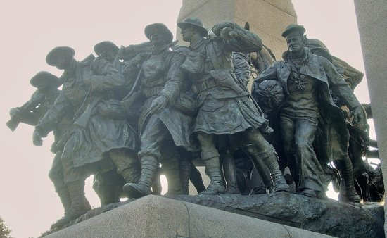 National War Memorial: ...looking up at our heroes!