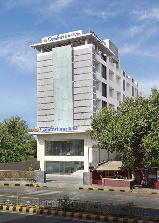 Hotel Suba Star: FRONT FACADE