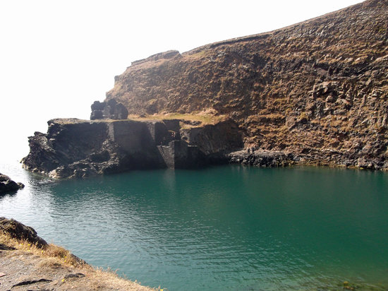 Porthgain Harbour: Blue Lagoon