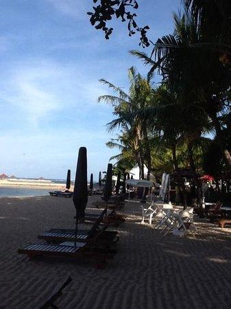 Besakih Beach Hotel: Afternoonbeach at Besakih