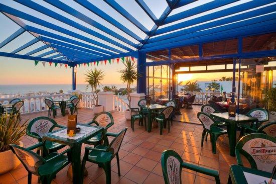 The Spinnaker Bar & Restaurant: Relax on the terrece