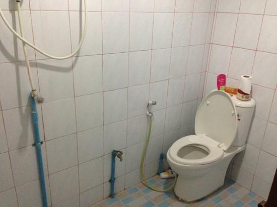Ibiza House Phi Phi: baño