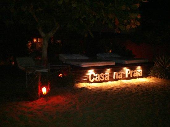 Casa na Praia: Piscina de Noite