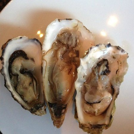 BLT Steak: Oysters
